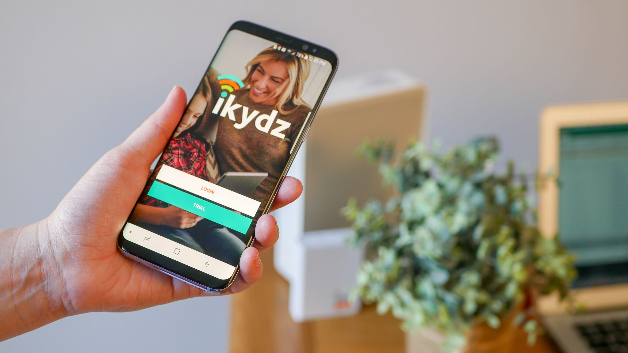 iKydz/Zyalin Group London Media Client